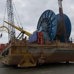 Nach ca. einer Woche hat die Barge ihren Weg vom Rendezvouspunkt bei 10 m Wassertiefe bis an den Strand von Norderney zurückgelegt und das Kabel 6 m tief in den Meeresboden eingespült.